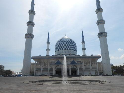 日本人観光客が最多!?クアラルンプールのブルーモスクが超豪華